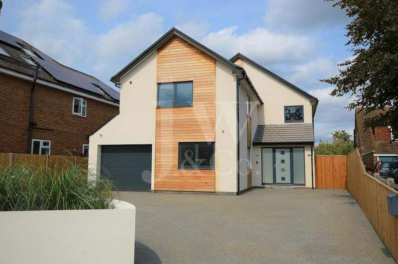 6 Bedrooms Detached House for sale in Mayflower Road, Park Street, St. Albans.
