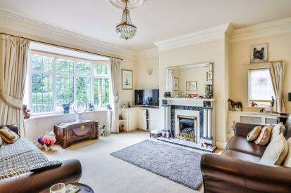 3 Bedrooms Bungalow for sale in Keighley Road, Laneshawbridge, Colne, Lancashire, BB8