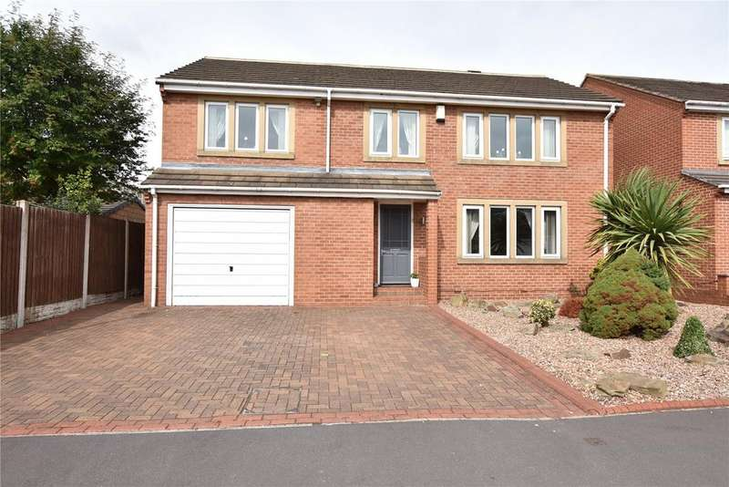 5 Bedrooms Detached House for sale in Hill Top Lane, Tingley, Wakefield
