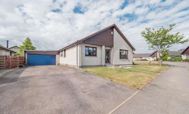 4 Bedrooms Bungalow for sale in Invergarry Park, Montrose