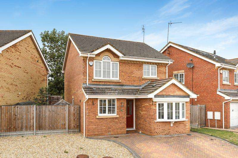3 Bedrooms Detached House for sale in Wingate Drive, Ampthill