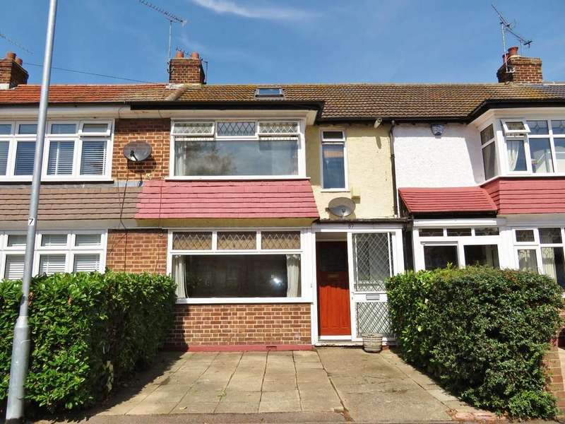 2 Bedrooms Terraced House for sale in Avondale Drive, Loughton, IG10
