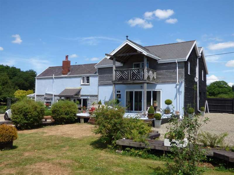 4 Bedrooms Detached House for sale in Foelgastell