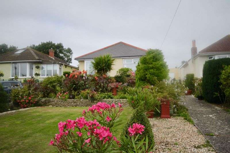 2 Bedrooms Property for sale in Sutcliffe Avenue, Weymouth
