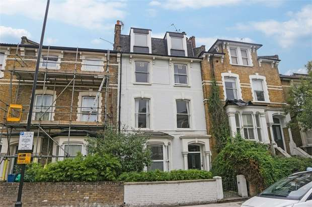 2 Bedrooms Flat for sale in Amhurst Road, London