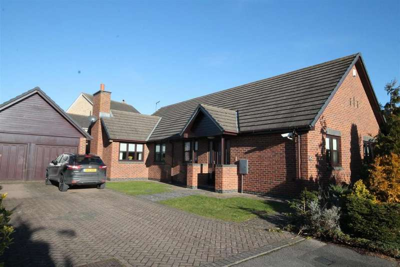 3 Bedrooms Detached Bungalow for sale in Pennine Court, Crook