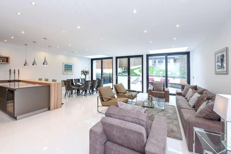 5 Bedrooms Detached House for sale in Wise Lane, Mill Hill