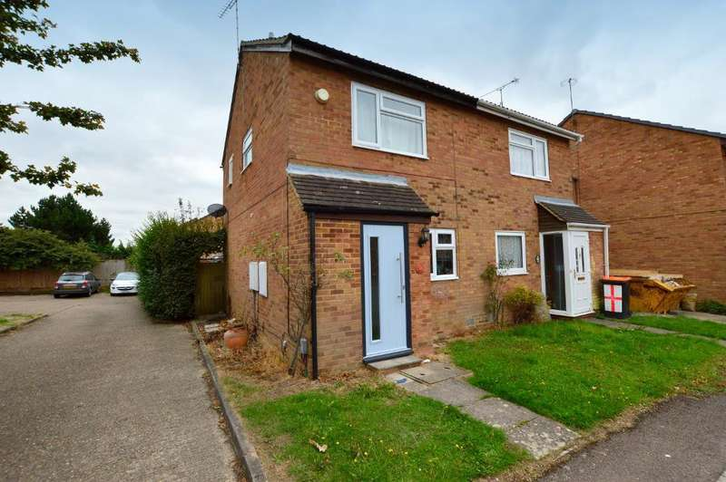 2 Bedrooms Semi Detached House for sale in Fensome Drive, Houghton Regis, Bedfordshire, LU5 5SF