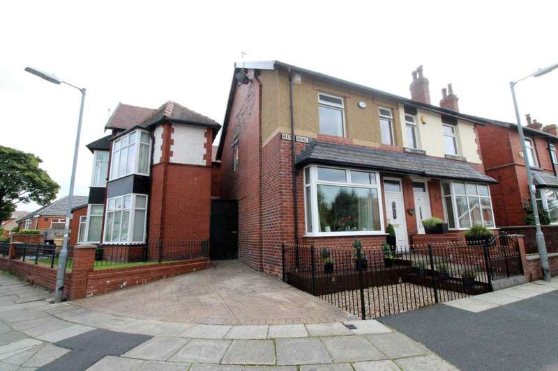 3 Bedrooms Semi Detached House for sale in Heaton Avenue, Bolton