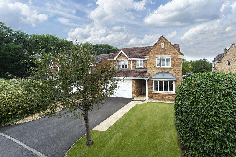 4 Bedrooms Detached House for sale in Arundel Close, Randlay, Telford, Shropshire.