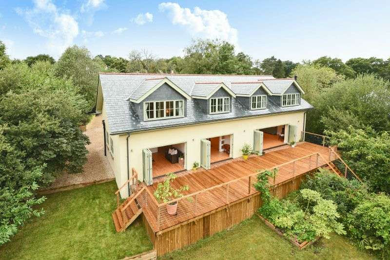 4 Bedrooms Detached House for sale in TOADPIT LANE, WEST HILL