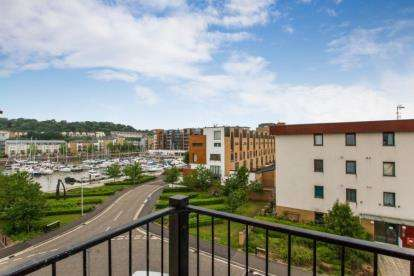 2 Bedrooms Flat for sale in Phoenix Way, Portishead, Portishead, North Somerset