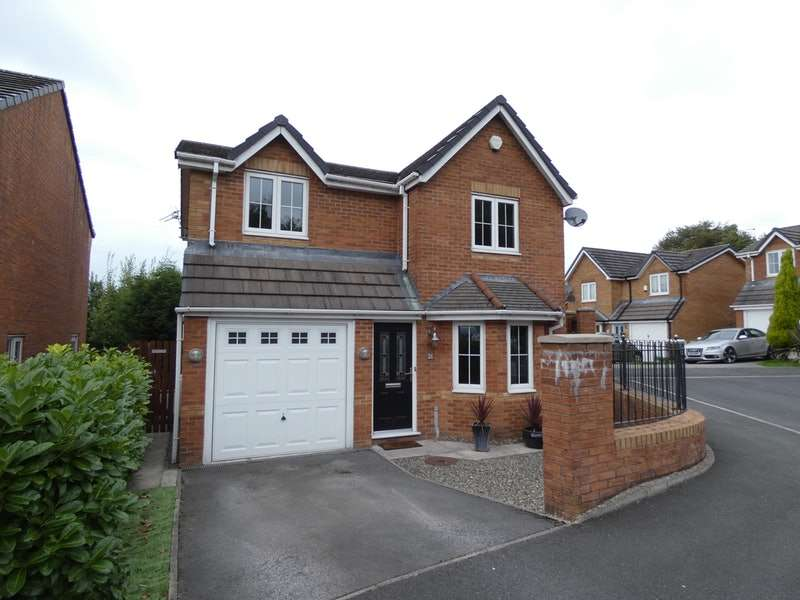 3 Bedrooms Detached House for sale in Shadowbrook Close, Oldham, Greater Manchester, OL1
