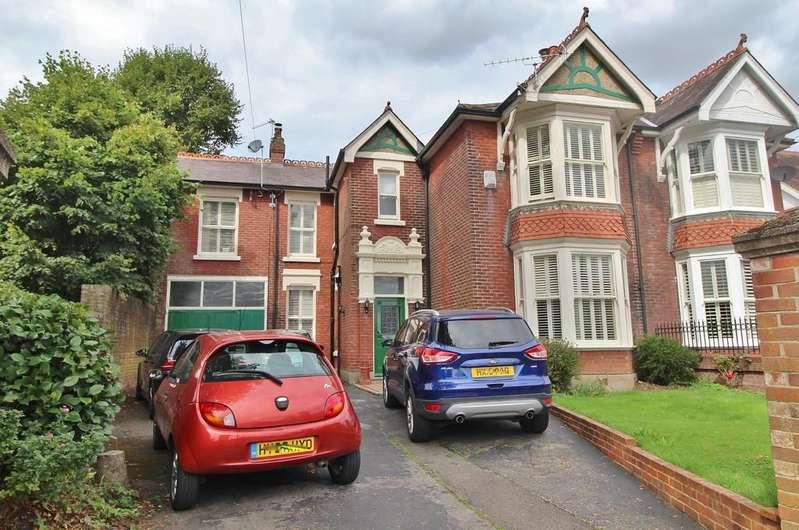 5 Bedrooms Semi Detached House for sale in Bellair Road, Havant