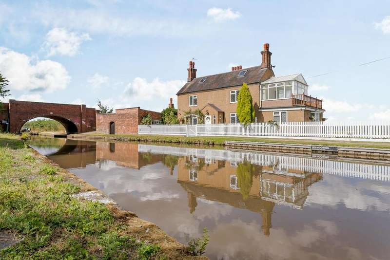 3 Bedrooms Detached House for sale in Canalside Cottage, Tuttle Hill
