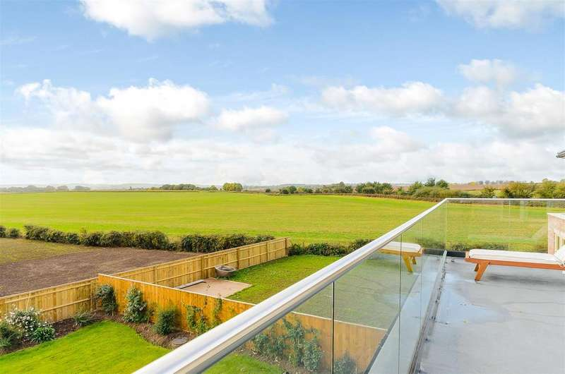 5 Bedrooms Detached House for sale in Orton Road, Warton,Warwickshire