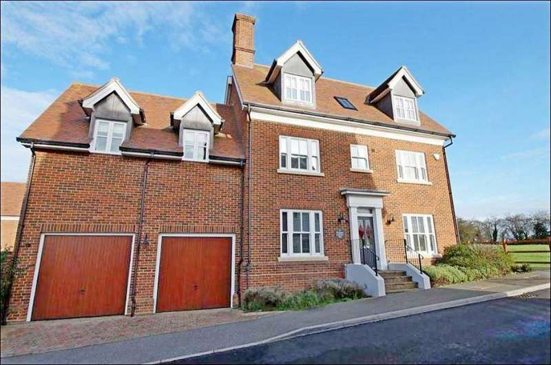 5 Bedrooms Detached House for sale in Elizabeth Lockhart Way, Braintree, Essex, CM7