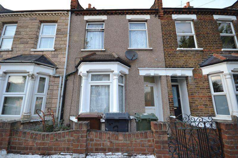 3 Bedrooms Terraced House for sale in Hamilton Road - Sale via Modern Method Of Auction