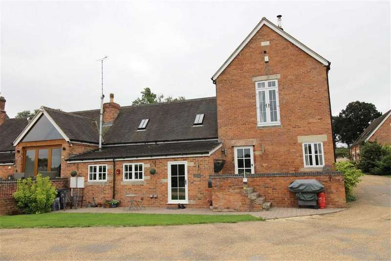 5 Bedrooms Barn Conversion Character Property for sale in Yew Tree Farm, Woodside, Morley, Morley