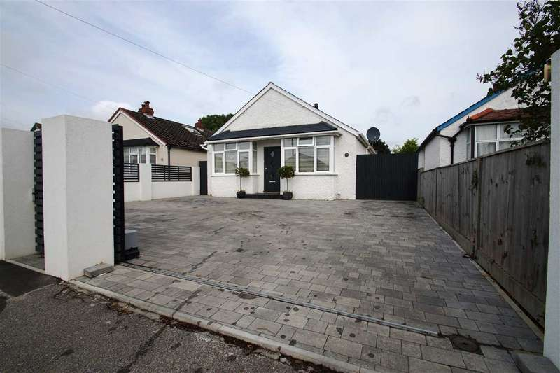 3 Bedrooms Bungalow for sale in Royston Way, Burnham