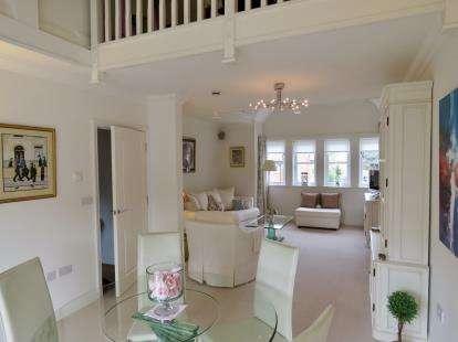 3 Bedrooms Flat for sale in Sunderland Road, Sandy, Bedfordshire