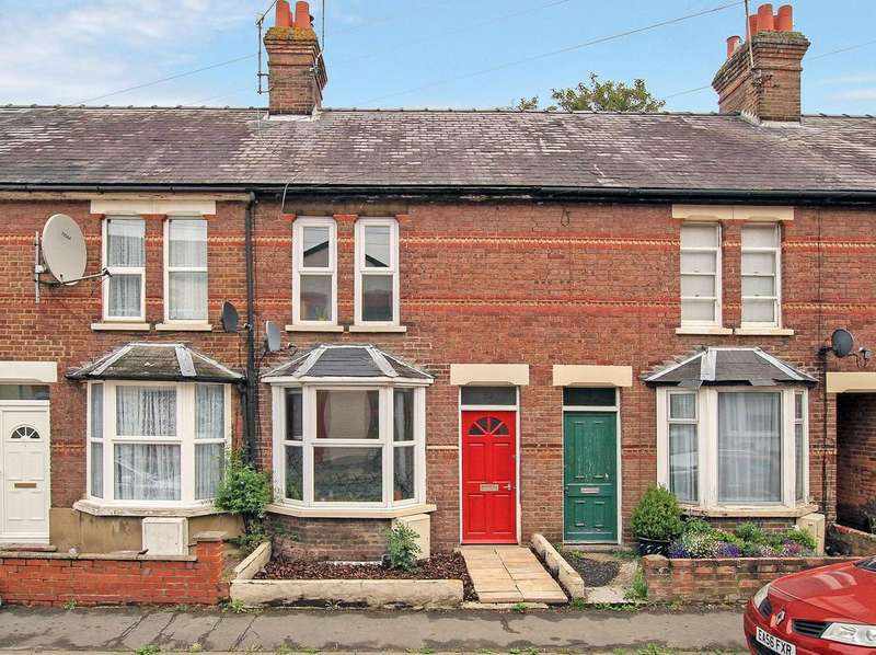3 Bedrooms Terraced House for sale in Higham Road, Chesham, HP5