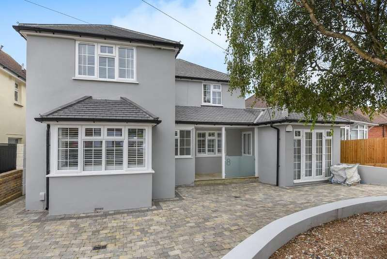 4 Bedrooms Detached House for sale in Benfield Crescent, Portslade