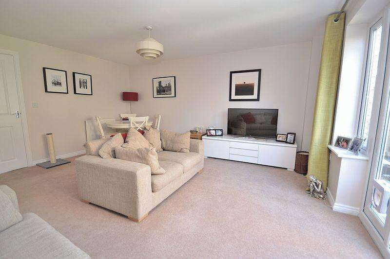 3 Bedrooms Terraced House for sale in Tern Drive, Leighton Buzzard