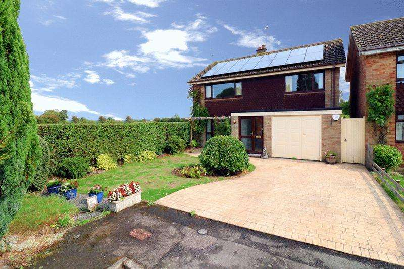 4 Bedrooms Detached House for sale in Wingrave