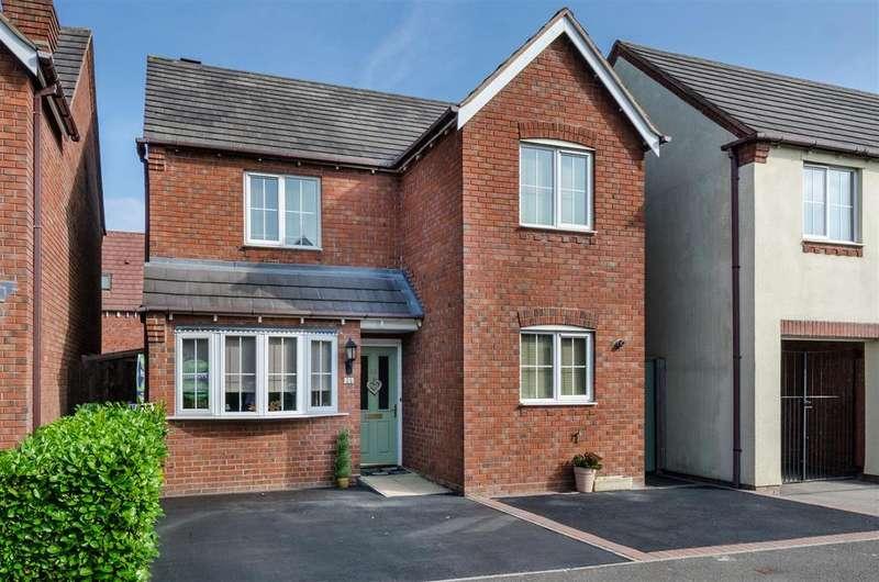 3 Bedrooms Detached House for sale in Paddock Way, Hinckley
