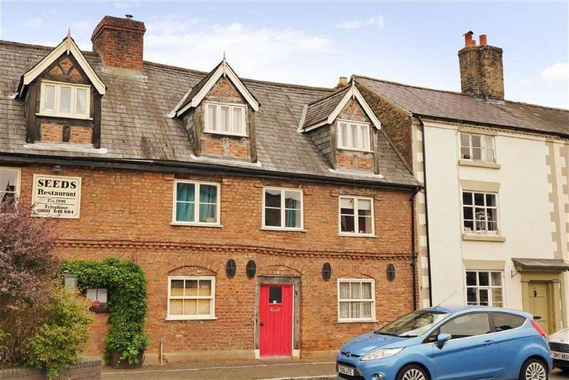 3 Bedrooms Terraced House for sale in Penybryn, High Street, Llanfyllin, SY22