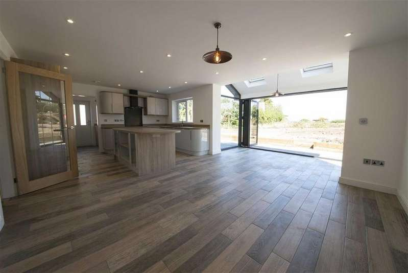 4 Bedrooms Detached House for sale in Rose Meadow, Pennington, Ulverston, Cumbria