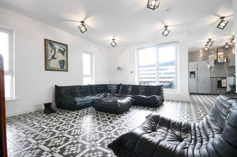 3 Bedrooms Apartment Flat for sale in The Linx, 25 Simpson Street, Northern Quarter