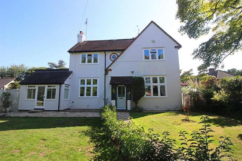 4 Bedrooms Detached House for sale in Kidmore End Road, Emmer Green, Reading