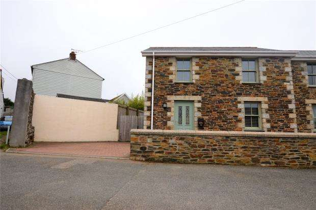 3 Bedrooms Semi Detached House for sale in Scowbuds, Tuckingmill, Camborne, Cornwall