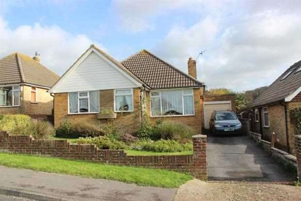 3 Bedrooms Bungalow for sale in The Grove, Denton, Newhaven