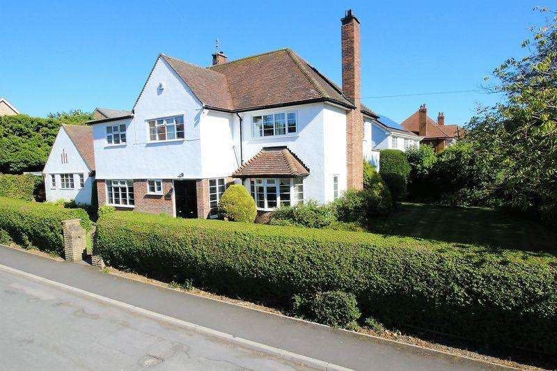 4 Bedrooms Detached House for sale in Stepney Drive, Scarborough