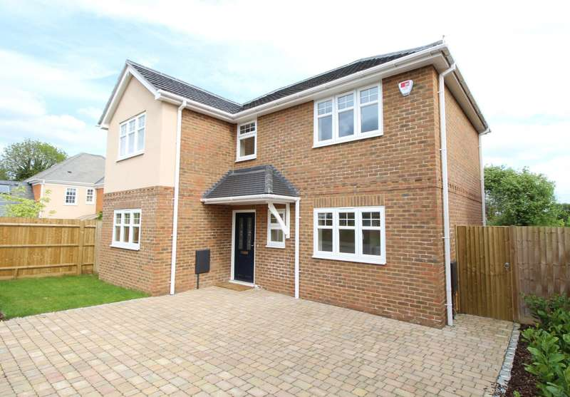 3 Bedrooms Detached House for sale in Baskerville Road, Sonning Common, RG4