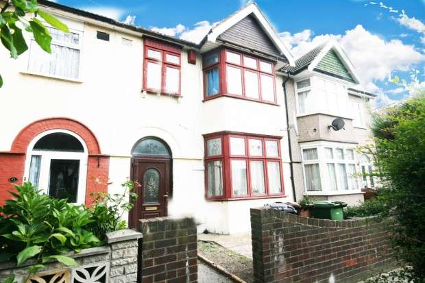 5 Bedrooms Terraced House for sale in Netherfield Gardens, Barking, IG11