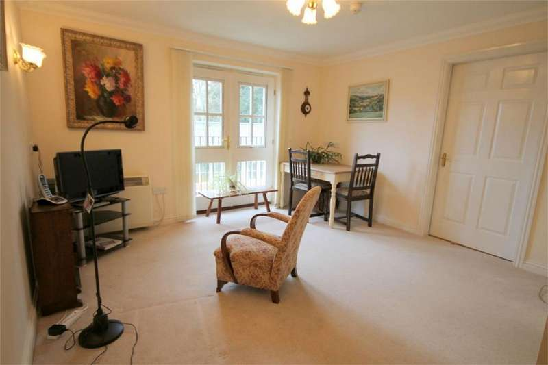 1 Bedroom Retirement Property for sale in Sycamore House, Woodland Court, Partridge Drive, Downend Bristol