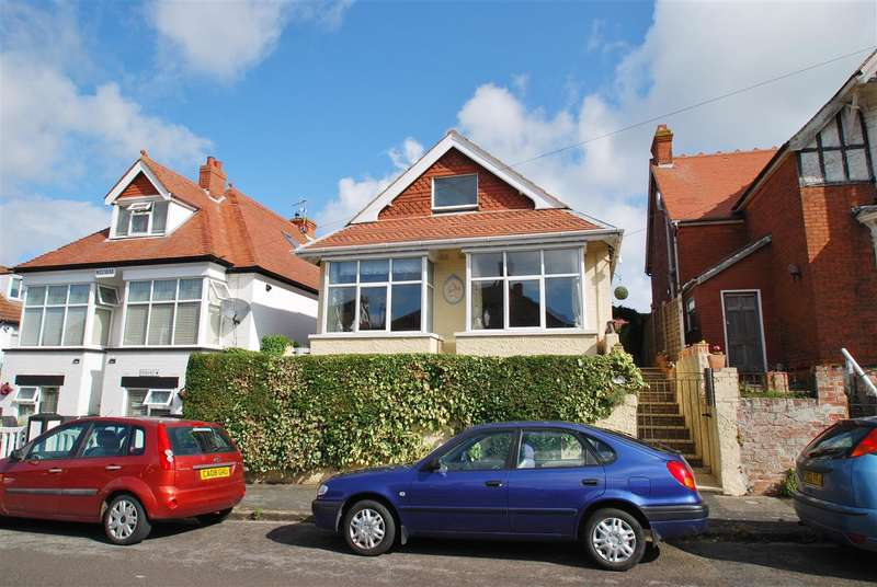 3 Bedrooms Bungalow for sale in Trafalgar Avenue, Skegness