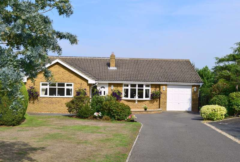 4 Bedrooms Detached Bungalow for sale in Horestone Rise, Seaview, Isle of Wight, PO34 5DB