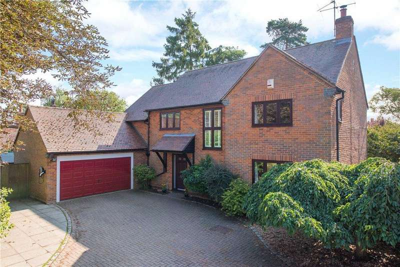4 Bedrooms Detached House for sale in Duck Lake Close, Maids Moreton, Buckinghamshire