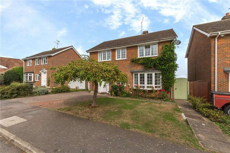 4 Bedrooms Detached House for sale in Priory Orchard, Flamstead, St. Albans, Hertfordshire