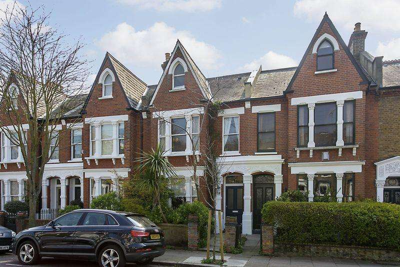 4 Bedrooms Terraced House for sale in Dresden Road, Whitehall Park, N19