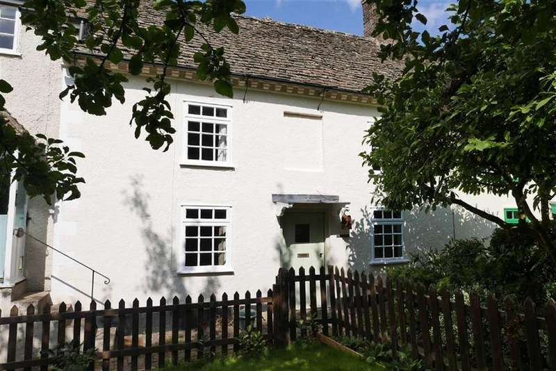 2 Bedrooms Cottage House for sale in Dursley Road, Cambridge, GL2