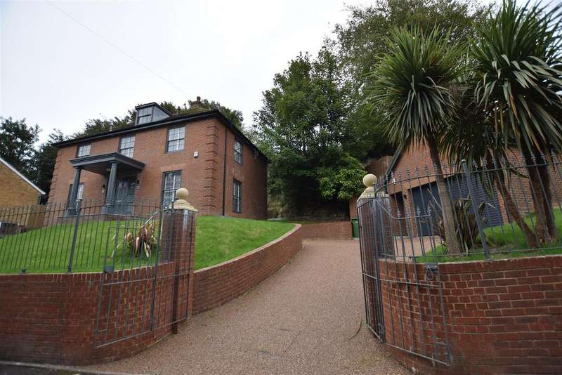 4 Bedrooms Detached House for sale in Harold Road, Hastings