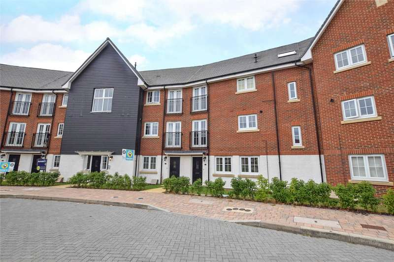 2 Bedrooms Apartment Flat for sale in Fulmar Crescent, Jennett's Park, Bracknell, Berkshire, RG12
