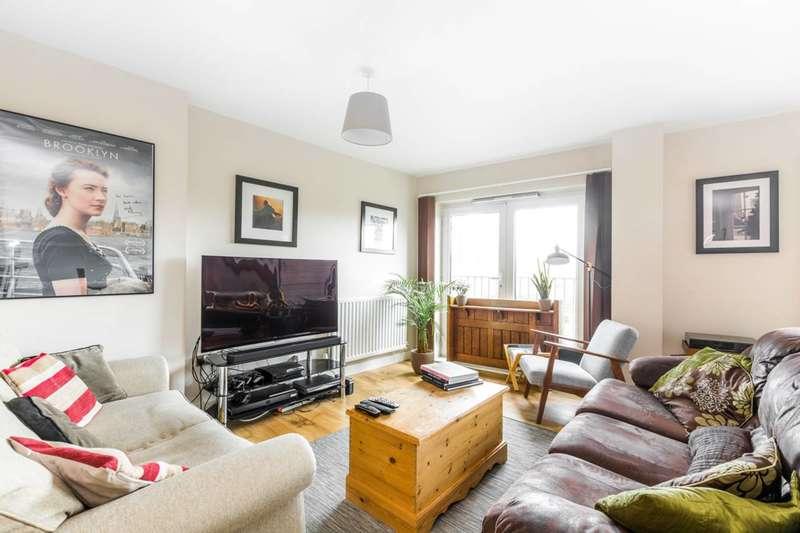 3 Bedrooms Flat for sale in Angel Lane, Stratford, E15