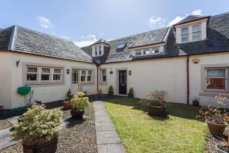 3 Bedrooms Cottage House for sale in 2 Sproulstoun Cottage, Bowfield Road, Howwood, PA9 1DE